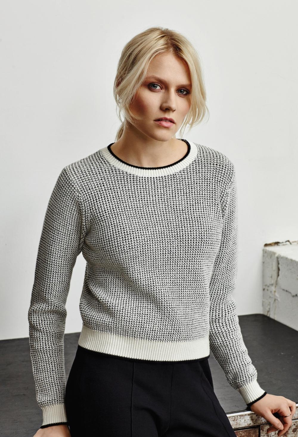 frieda-sand-organic-lady-fashion-grace-jumper-black-white